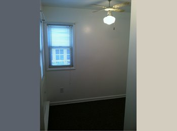 EasyRoommate US - Affordable small but quaint bedroom - Delaware Avenue, Albany - $325
