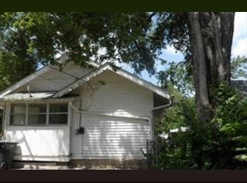 EasyRoommate US - 2bedrooms/1bathroom Available for rent - Topeka, Topeka - $1100