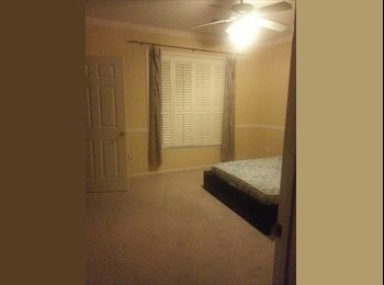 Room for rent walking to Metro