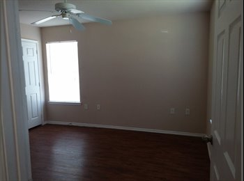 EasyRoommate US - Master Bedroom for rent - Lake Worth, Fort Worth - $600