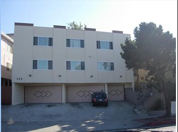 EasyRoommate US - Professional couple with room to rent - Redondo Beach, Los Angeles - $750