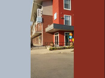 2bed/2bath SUBLEASER NEEDED at Highland Campus Cro