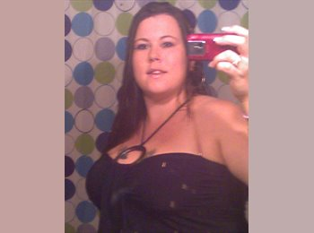 Christina - 25 - Student