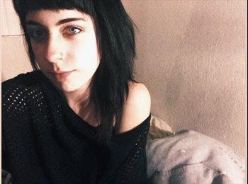 Caitlyn - 20 - Student