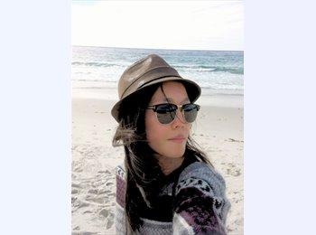 EasyRoommate US - Michelle - 26 - Orange County