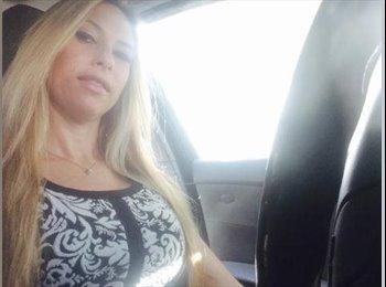 EasyRoommate US - Danielle  - 39 - Ft Lauderdale Area