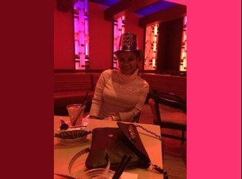 EasyRoommate US - Melanie - 35 - Las Vegas