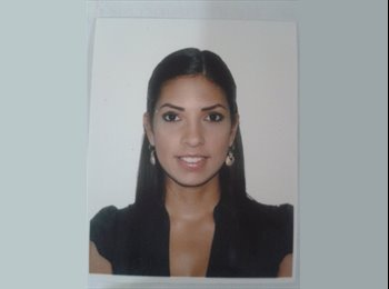 Monica  - 30 - Profesional