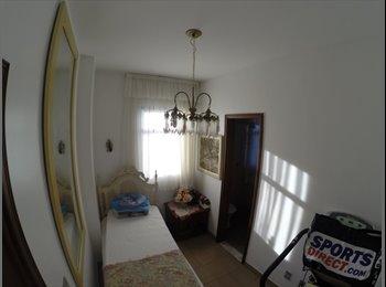 EasyQuarto BR - Alugo suite com cama e armario na Praia da Costa - Vila Velha, Vitória e Região Metropolitana - R$700
