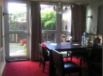 EasyRoommate UK rent a large room in Hammersmith - Hammersmith, West London, London - £725 per month,£167 per week - Image 1