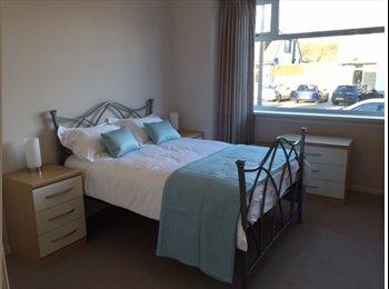 EasyRoommate UK - Newly re-furbished, double room with en-suite - Craigiebuckler, Aberdeen - £650