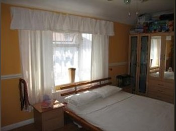 EasyRoommate UK - Lovely Double-room For Professionals - Becontree, London - £500