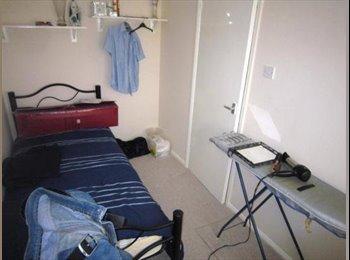 EasyRoommate UK - room to rent hawkinge - Hawkinge, Folkestone - £380