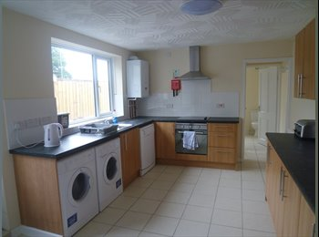 EasyRoommate UK - Modern Double Ensuite Room - Central City Centre - Peterborough, Peterborough - £400