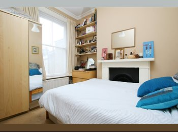 EasyRoommate UK - Bright Double Room in Charming Brixton Flat - Brixton, London - £720