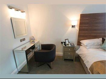 EasyRoommate US - Spacious furnished bedroom - Midtown West, New York City - $1200