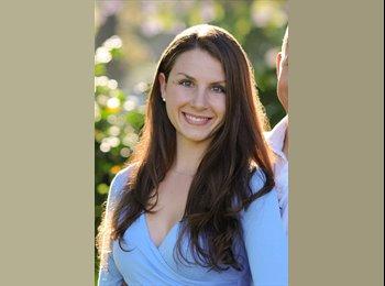 Megan - 26 - Professional