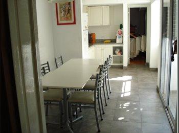 Alquilo Habitación simple y compartida