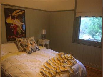 EasyRoommate AU - Professional Couple Seeking Housemate - Eaglehawk, Bendigo - $280