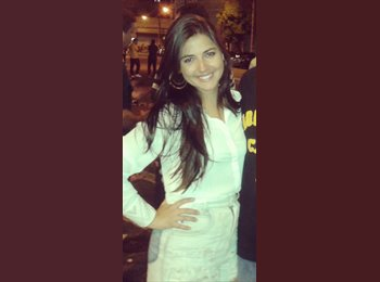 Camila - 25 - Profissional