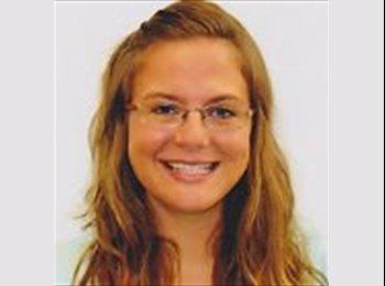 Stephanie - 29 - Estudiante