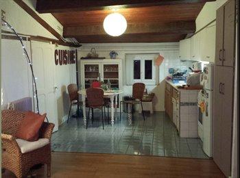 Appartager FR - Appartement très sympa, coté la mairie. - Narbonne, Narbonne - €220