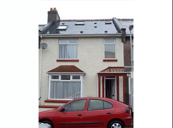 EasyRoommate UK - Double  room to rent in 6 bedroom town house - Plymouth, Plymouth - £340