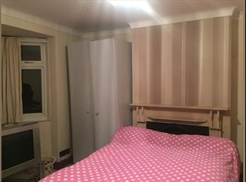 TWO LARGE DOUBLE BEDROOM AVAILABLE