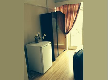Two double  furnished room to let.