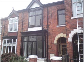 EasyRoommate UK - Superb Double Room in this excellent Shared House. - Grimsby, Grimsby - £345