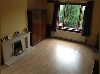 EasyRoommate UK - ROOM TO RENT IN THE HEART OF NEWLANDS - Newlands, Glasgow - £400