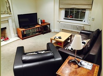 EasyRoommate UK - Smart professional double room up for grabs! - West Kensington, London - £820