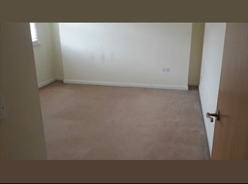 EasyRoommate UK - Double room to rent near town centre. - Northampton, Northampton - £400