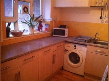 EasyRoommate UK - Double Room Available in Clapham South - Clapham, London - £559