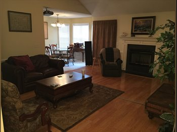 EasyRoommate US - Cozy home close to Trident hospital and Boeing - North Charleston, Charleston Area - $550