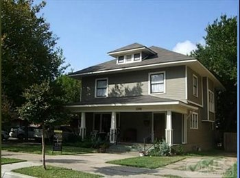EasyRoommate US - Live in the hip Magnolia St. area of Ft Worth! - Downtown, Fort Worth - $950