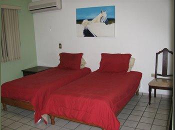 CompartoDepa MX - RECAMARA AMPLIA CON CLOSET - San Nicolás de los Garza, Monterrey - MX$2150