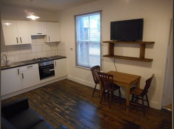 EasyRoommate UK - Double Rooms Available in a shared flat  woodseats - woodseats, Sheffield - £300