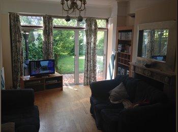 EasyRoommate UK - Double Room In Friendly Houseshare! - Kensal Rise - Willesden, London - £465