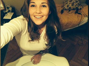 EasyRoommate UK - Julia - 19 - London