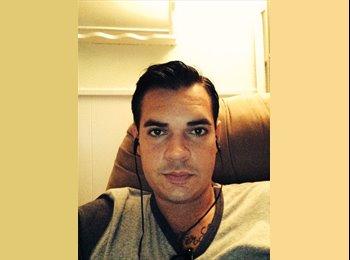EasyRoommate US - Anthony - 28 - Savannah