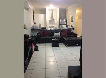 EasyRoommate AU - Fresh Townhouse - Close to everything! - Ashgrove, Brisbane - $160