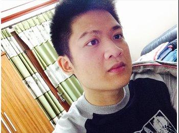 Thomas - 21 - Student