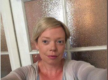 Kathryn  - 40 - Professional