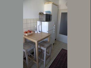 Appartager BE - Chambre libre dans 100m2 apt - Uccle-Ukkel, Bruxelles-Brussel - €500