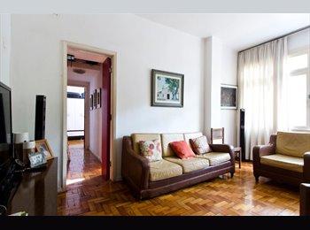 EasyQuarto BR - ALUGO QUARTO NA ZONA SUL UMA QUADRA DA PRAIA - Copacabana, Rio de Janeiro (Capital) - R$1600