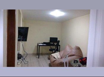 EasyQuarto BR - Quarto Centro Londrina R$ 690,00 - Londrina, Londrina - R$590