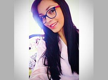 Daniela - 19 - Estudante