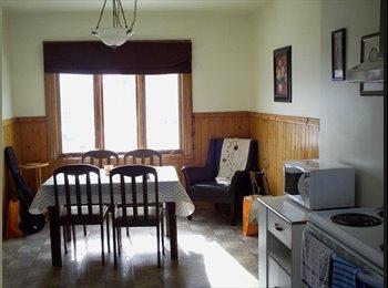 EasyRoommate CA - Chambre toute meublée près de UQTR - Trois-Rivières, Mauricie - $360