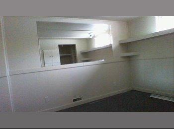 EasyRoommate CA - Room for rent (Girls Only) - Calgary, Calgary - $550